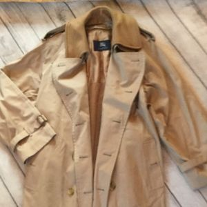 Burberry Men's Trench Coat, Size 44L,
